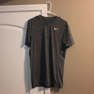 Nike men's drifit short sleeve tee